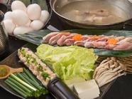 新鮮な鶏をしゃぶしゃぶで味わえる『鳥かじの水炊き(雑炊付き)』