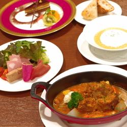 メインディッシュが選べる人気のセットです。 3種類のメインディッシュからお好きな1皿をお選びください。