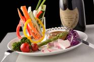 手づくり濃厚味噌が決め手『旬の野菜スティック~自家製味噌ディップ』