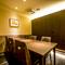 周りに気兼ねなく料理と会話を楽しめる、完全個室空間