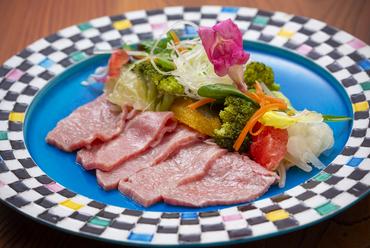 秘伝のタレが自慢のアツアツな『柳川丼』は人気メニューの一つ/(税込)(並)540円(大)650円
