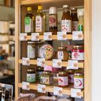 お客さまに提供する食材はすべて、生産者の顔が見えるものを使用
