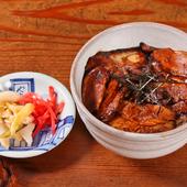 こんがり焼いたチャーシューと煮詰めた甘辛たれが食欲をそそる『ミニチャーシュー丼』
