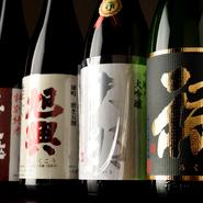 和食には、やはり日本酒がよく合います。日本酒も全国から選び抜かれた品々ばかり。地元・愛知の『半田郷』や京都の『澤屋まつもと』、佐賀の『鍋島』など、いずれ劣らぬ名酒揃いです。