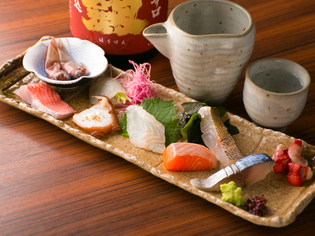酢ともネタとも相性の良い小粒ながら存在感のある米をチョイス