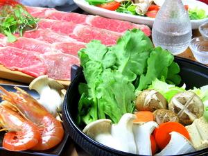 『すき焼き』厳選和牛と地元野菜、新鮮な赤卵で肉の旨味を堪能(ご注文は2人前~)