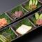 日本酒に合わせて、またはワインに合わせて種類を変えている『珍味3種』
