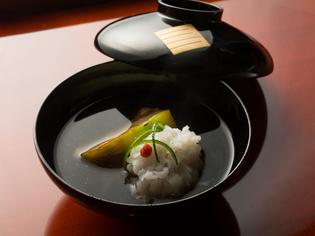 旬の食材を合わせて饗する、懐石料理の中心をなす『煮物椀』