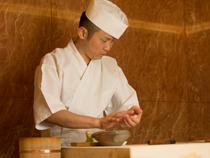 毎日の仕込みは「おいしい寿司」をつくるため