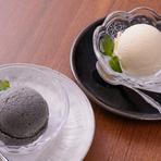 自家製アイスクリーム(バニラ・黒ごま・ベリー・抹茶)
