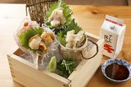 お店の人気メニュー新鮮さが命『貝の三点盛り』