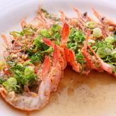 香港料理の真髄、蒸し料理「しらさ海老のガーリック蒸し」