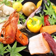 人気の肉に特化した料理のコース。肉好きにお勧め!クーポンご利用の飲み放題込みで3500円!料理のみ2500円