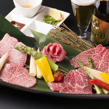 全12品 人気の肉寿司盛合せを含めた 雅コース