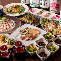 彩り鮮やかで見た目も楽しめる海鮮ちらし寿司や豪快に焼き上げた国産和牛の赤身ステーキもついております♪