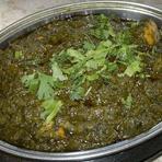エビ、魚、イカと野菜をグレービーソースで煮込んだカレー