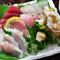 長崎・五島列島直送の新鮮な魚を盛り合わせた『刺身』一人前