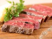 A5等級の霜降りサーロインステーキは、 柔らかく口溶けする、お肉の甘みと旨味が楽しめる お勧めメニューです!