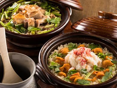 炊き上がりの湯気や香り、おこげも楽しめる、名物『土鍋炊き御飯』