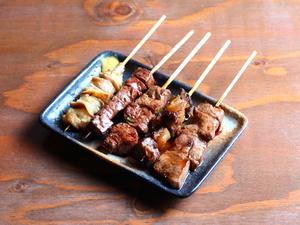 牛串焼き専門店ならではの種類の多さが自慢の『牛串備長炭焼き 各種』