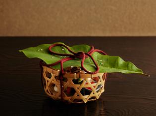 京の奥座敷、花背にある美山荘らしさを感じさせる『八寸』