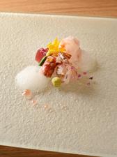 新鮮な魚の旨味がお米にギュッと染み込んでいる、香り豊かな『(御飯)ぐじの炊き込み』
