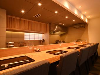 日本料理とワインのマリアージュを楽しめる店