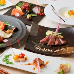旬の素材を取り入れた肉、魚が愉しめる