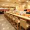 お寿司もお酒も満喫。カウンター席は、寿司屋の醍醐味の一つ