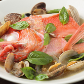 素材の持ち味が溶け込むスープまで絶品『アクアパッツァ』