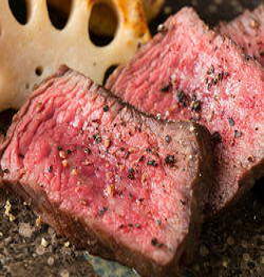 メインはA4黒毛和牛ステーキと旬のお魚の鉄板焼き(全10品)