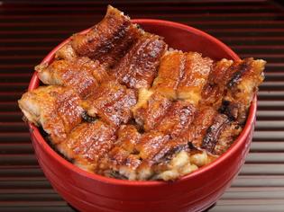純米みりんと国産丸大豆醤油のみで鰻の味を引き出す