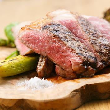 【チーズ大好き】牛ロース肉&スカモルツァ他、2時間飲み放題