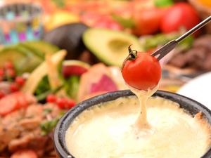 厳選野菜と濃厚チーズのチーズフォンデュ