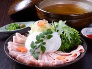 柔らかな肉質の伊那の豚をあっさりとした和風だしでお召し上がりください。〆は五島うどんでどうぞ。(1人前)