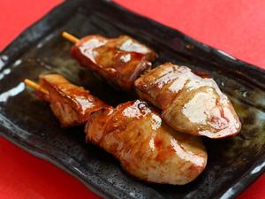 中はふっくら外は香ばしく焼き上げた、大ぶりの『肝』は食べごたえあり