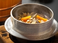 ふんわり炊き上げたお米が香り高い『釜めし』
