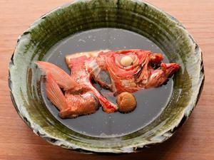 鮮度が光るこだわりの味わい『水と醤油だけの煮魚』