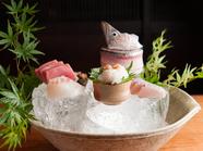 鮮度抜群の魚介を和歌山の醤油で食す『お造り盛り合わせ(二名盛)』