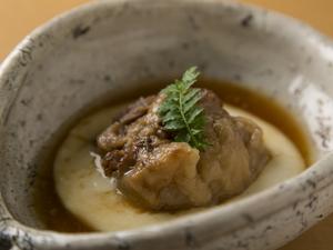 角煮とじゃがいもソースのバランスが絶品『豚の角煮 じゃがいもソース』