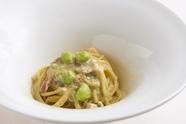濃厚鮎の出汁に枝豆が豊かに香る『燻製鮎の枝豆のピューレソースのスパゲッティ』