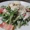 春菊とベーコンのシーザーサラダ