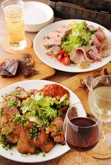 平日限定(月~木)、お料理7品&2時間飲み放題が付いた、女子会や各種パーティに最適なコースです。