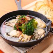 地元広島産の牡蠣の旨みをガーリックオイルが引き立てる『牡蠣のアヒージョ』