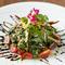 肉料理にもたっぷりと添えられる、季節の新鮮野菜