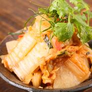 タイを代表する唐辛子「ピッキーヌ」が様々な料理で使われています。日本人の口に合うよう、少し控えめになっていますが、好みで増やすこともできますので、激辛をご希望の方はお店の方にリクエストしてみましょう。