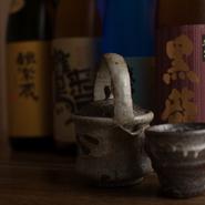 日本酒は純米辛口が中心。全国各地から厳選した品揃えです。お料理に合せて飲み比べをするのも粋な楽しみ方です。舌鼓を打ちながら、ゆったりと杯を重ねてみるのはいかがでしょうか。