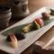 『おまかせ料理』の一皿、季節に合わせた色とりどりの料理が並ぶ『前菜』