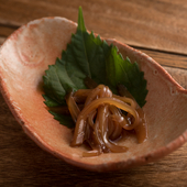 シンプルな味付けにゆずの香りが絶妙の組み合わせ、お酒がすすむ『イカの沖漬け』