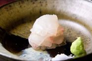 目の前で仕上げて一品ごと供される旬の絶品魚介『お造り』 ヒラメの刺身